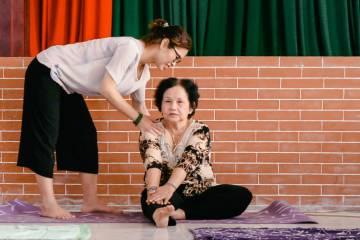 Hội viên Y tế công cộng cao tuổi tình nguyện - Khỏe để phòng chống dịch bệnh Covid-19